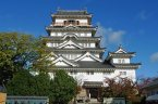This is a picture of the castle in my town, Fukuyama castle. Next week there will be special events at my castle for culture day. I'm excited to go again.